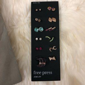 FREE PRESS earrings set